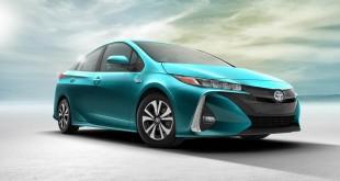 2017-Toyota-Prius-PHEV-08