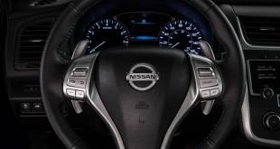 2016-nissan-altima-sr-interior-gauges